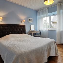 salle d'eau avec grande douche - Location de vacances - Landéda