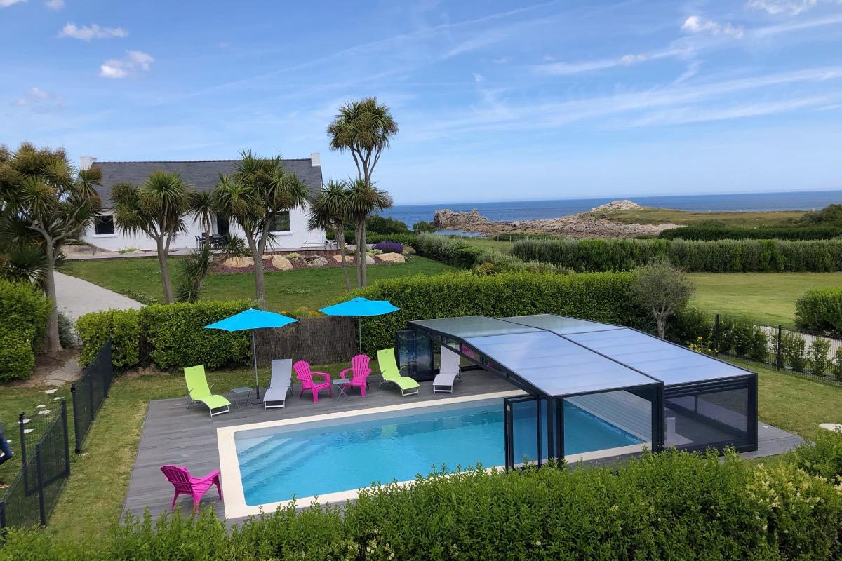 piscine couverte  - Location de vacances - Cléder