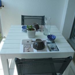 Terrasse côté cuisine - Location de vacances - Bénodet