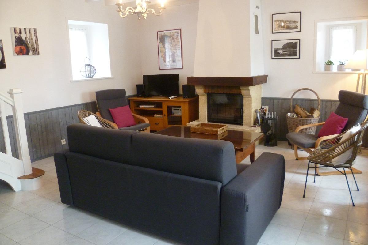 salon avec cheminée - Location de vacances - Plougasnou