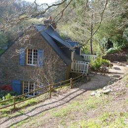 accès au studio situé dans un ancien moulin avec parc boisé et bordée d'une rivière - Location de vacances - Melgven