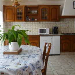 pièce de vie avec cuisine - Location de vacances - Plouguerneau