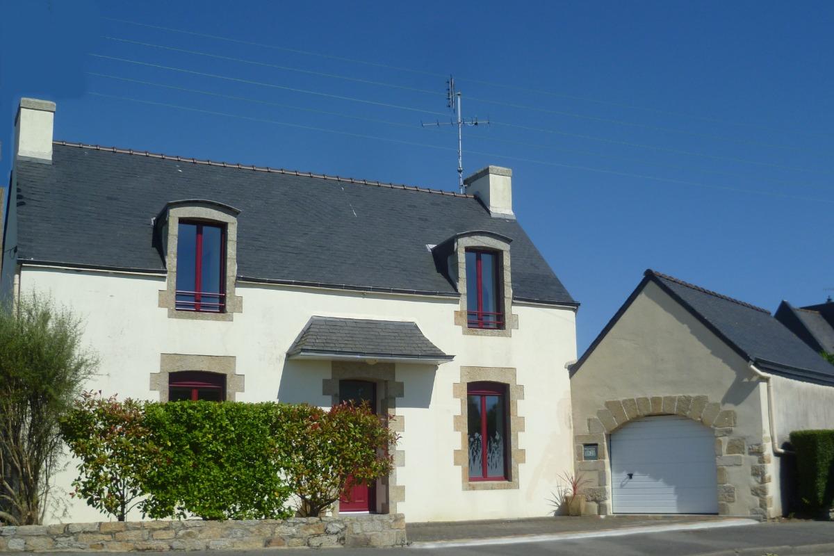 maison côté entrée du garage - Location de vacances - Guilvinec