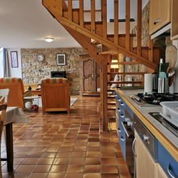 Pièce à vivre avec cuisine et grand salon - Location de vacances - Plogoff