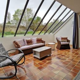 Salon spacieux et lumineux aménagé ! - Location de vacances - Plogoff