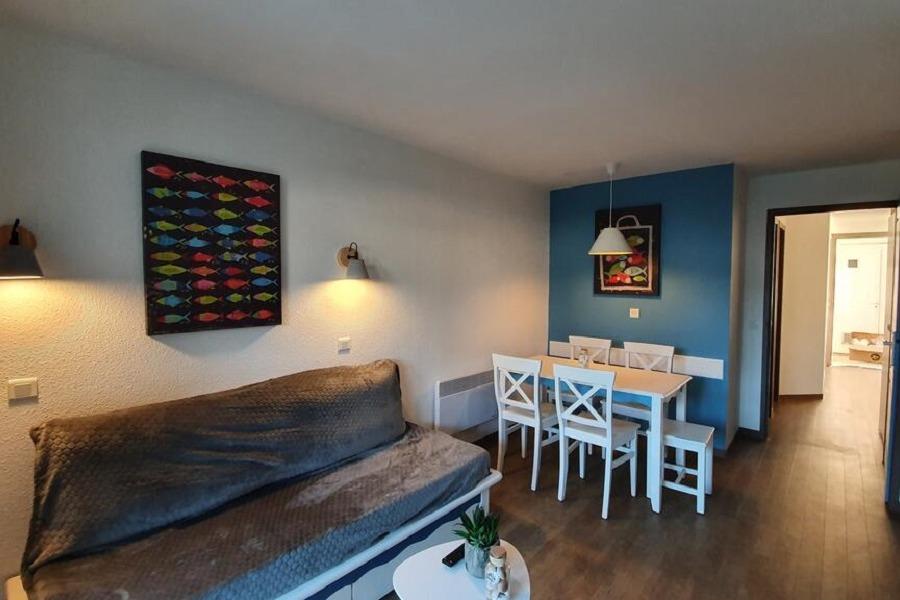 Appartement au 2ème étage avec ascenseur, balcon avec salon de jardin - Location de vacances - Combrit
