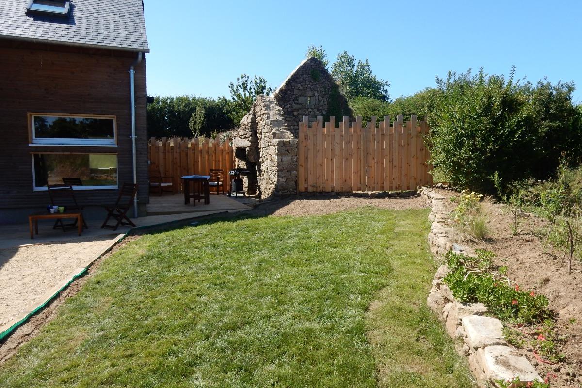 Location pour deux personnes avec terrasse et jardin - Location de vacances - Goulven