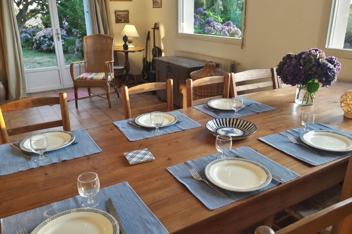 Salle à manger avec vue sur mer - Location de vacances - Roscoff