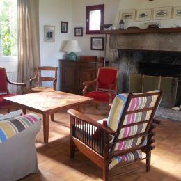Salon cheminée - Location de vacances - Roscoff