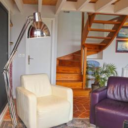 salon avec TV et bureau - Location de vacances - Logonna-Daoulas