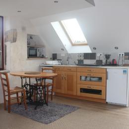 séjour cuisine avec accès terrasse - Location de vacances - Logonna-Daoulas