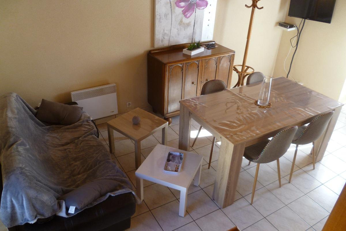 séjour salon avec TV et wifi - Location de vacances - Argol