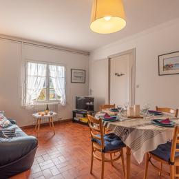 Location dans chaumière divisée en 4 logements - Location de vacances - Guilvinec