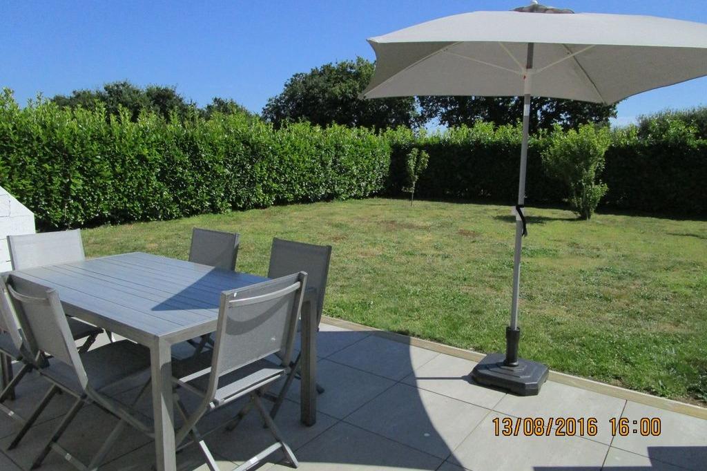 jardin clos avec terrasse et barbecue fixe - Location de vacances - Guiler-sur-Goyen