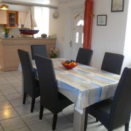 pièce de vie avec coin cuisine - Location de vacances - Plouguerneau