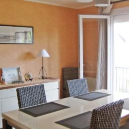 salon séjour avec balcon - Location de vacances - Concarneau