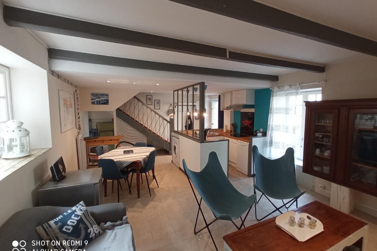 Salon avec TV - Location de vacances - Guilvinec