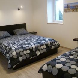 Chambre n° 3 avec lit 160 et lit 90 - Chambre d'hôtes - Ploudalmézeau