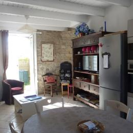 RDC: chambre 2 avec lit 140 et placard penderie - Location de vacances - Guissény