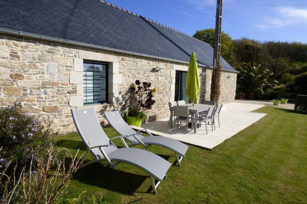 façade de la maison avec grand jardin privatif et vue mer - Location de vacances - Roscoff