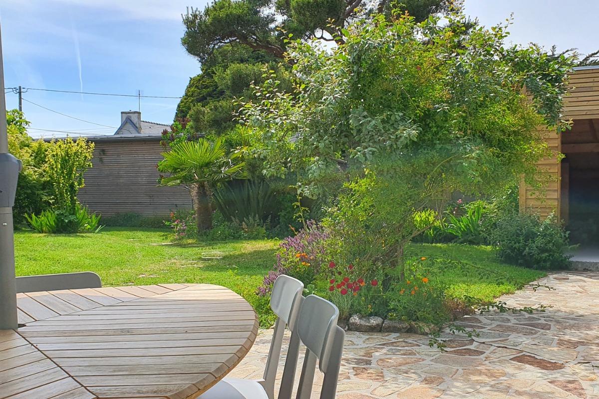 salon avec cheminée et coin TV - Location de vacances - Treffiagat