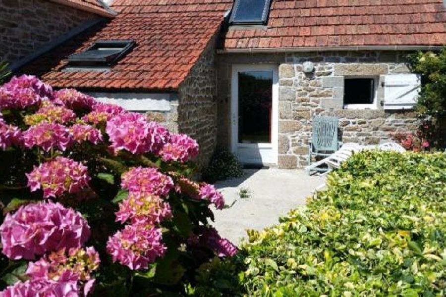 Maison de plain-pied très bien situé avec commerces à proximité immédiate - Location de vacances - Guissény