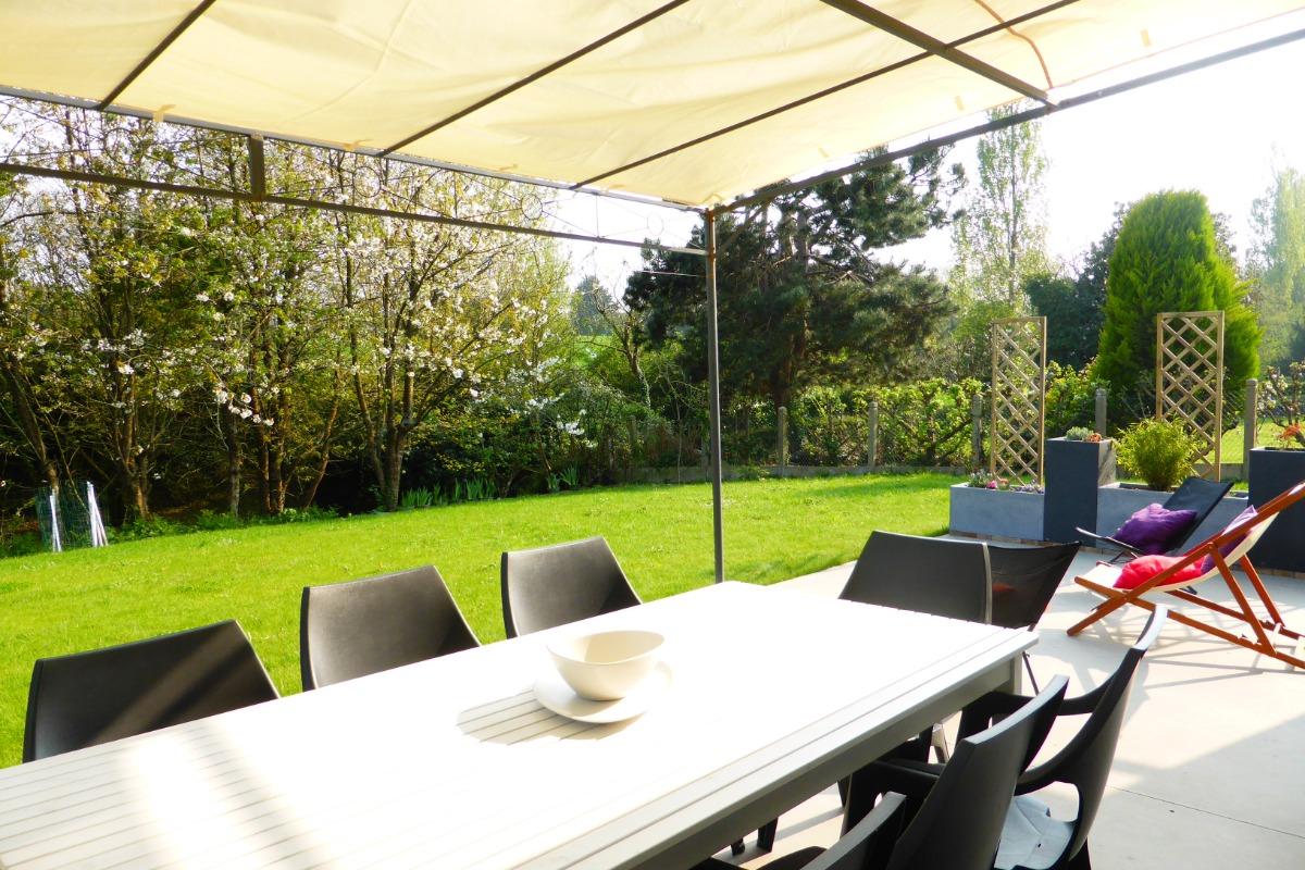 grande terrasse exposée sud - Location de vacances - Plouégat-Guérand