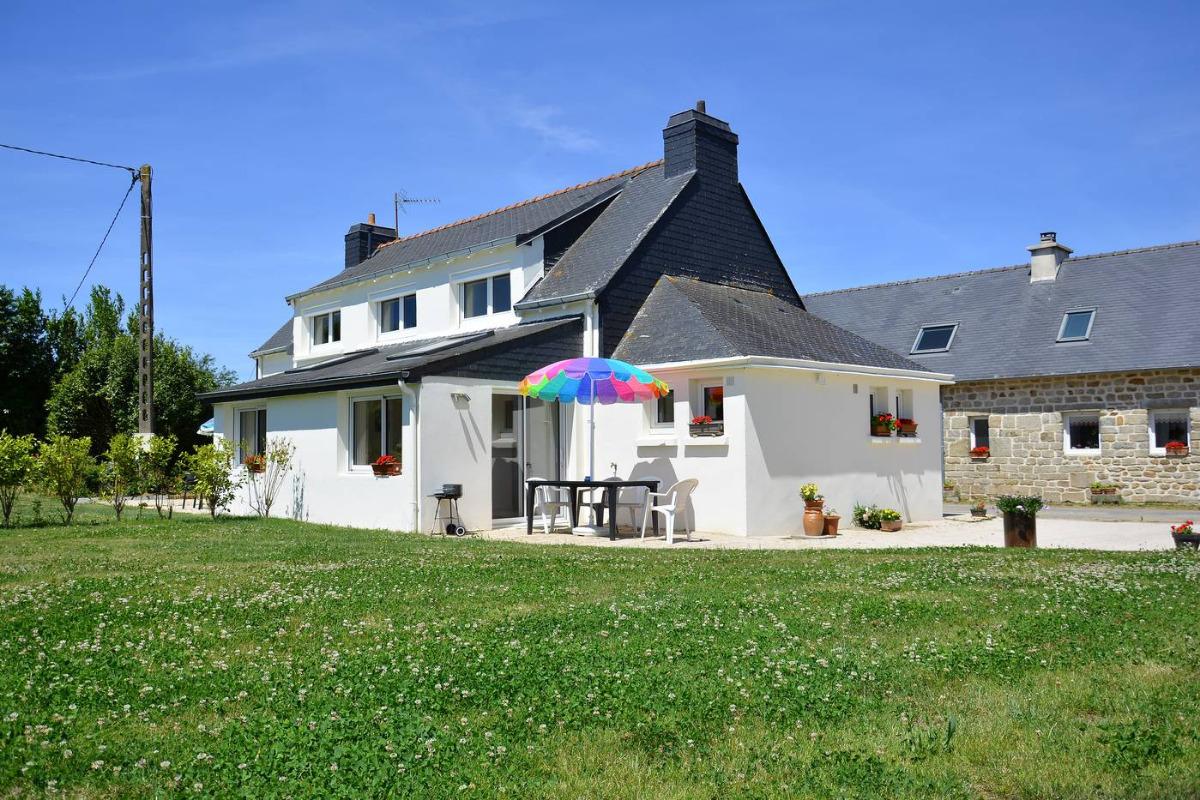 salon séjour avec TV et internet Wifi - Location de vacances - Plogonnec