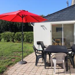 Maison (divisée en 2 locations) avec jardin et terrasse privative sans vis à vis - Location de vacances - Plogonnec