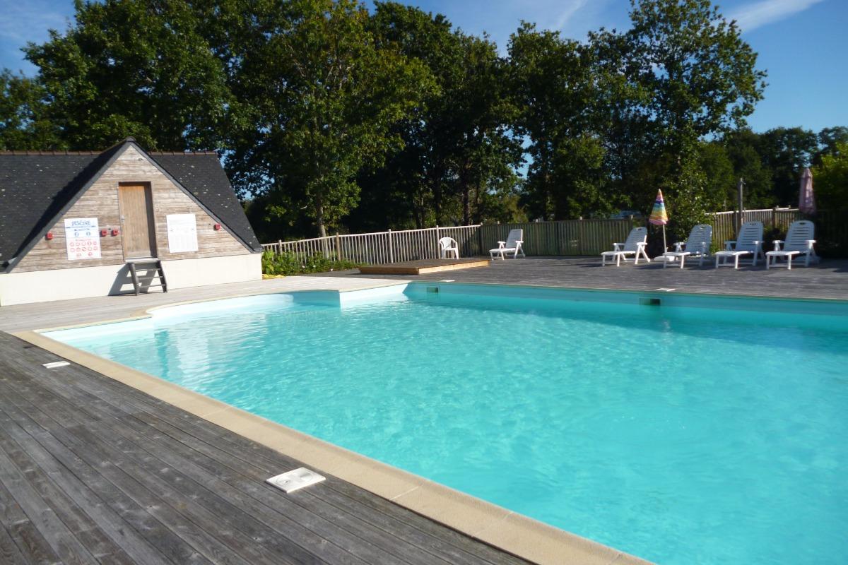 Coin repas avec cuisine équipée et aménagée - Location de vacances - Combrit