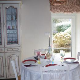 Chambre 2 avec 2 lits 90 - Location de vacances - Cast