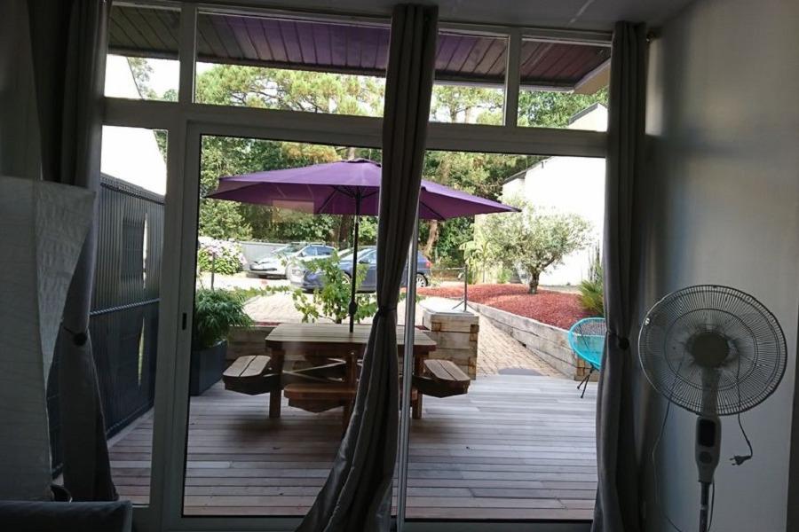 acces terrasse depuis le salon - Location de vacances - Combrit