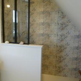 Salle d'eau communicante avec chambre  - Chambre d'hôtes - Bénodet