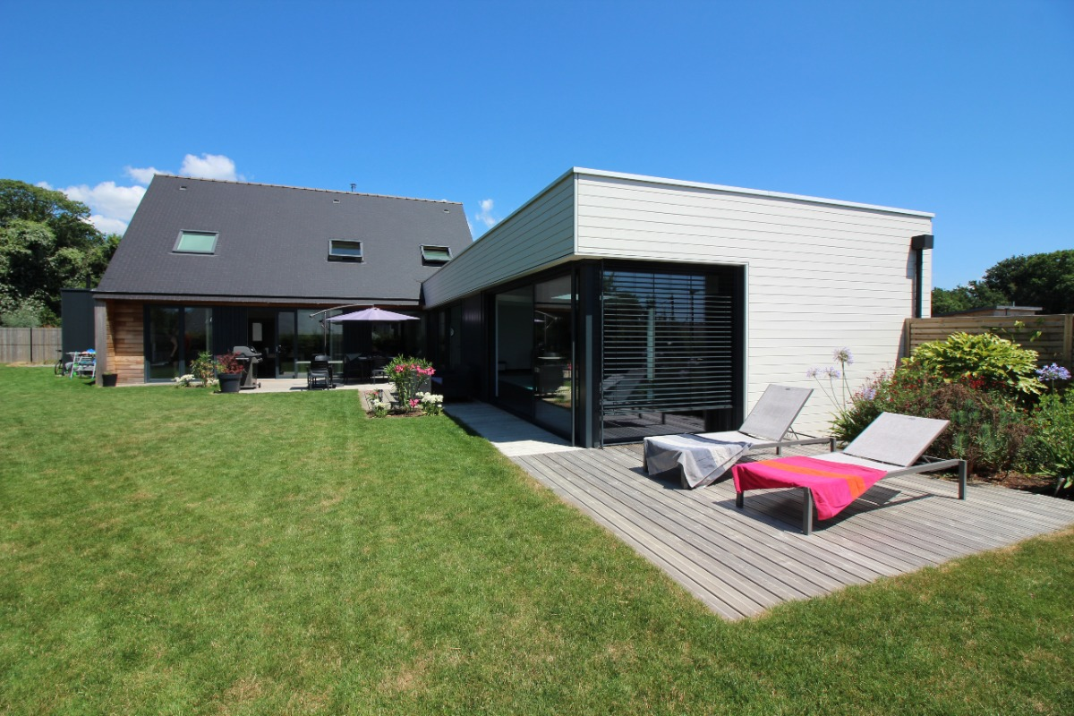 Piscine intérieure chauffée - Location de vacances - Fouesnant