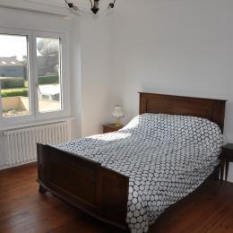 Chambre avec 1 lit 140cm - Location de vacances - Kerlouan