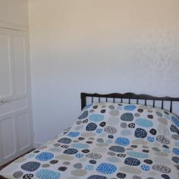 Chambre avec 2 lits 90cm - Location de vacances - Kerlouan