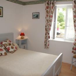 Chambre avec 1 lit 140cm - Location de vacances - Fouesnant