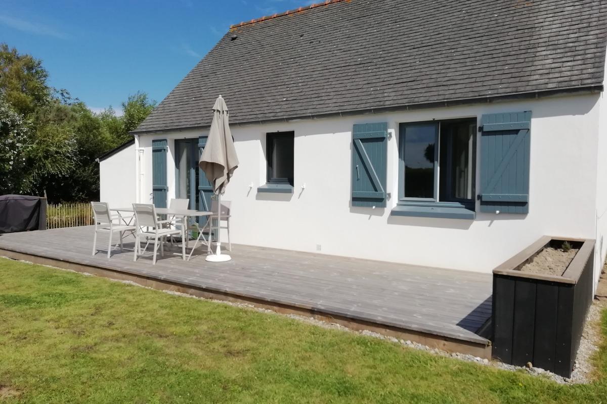 terrasse donnant sur le salon - Location de vacances - Ploudalmézeau