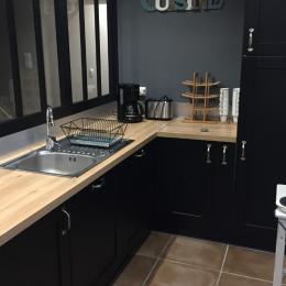 grand salon avec coin TV, poele et wifi - Location de vacances - Plogonnec