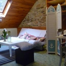 Salon avec canapé convertible - Location de vacances - Plouguerneau