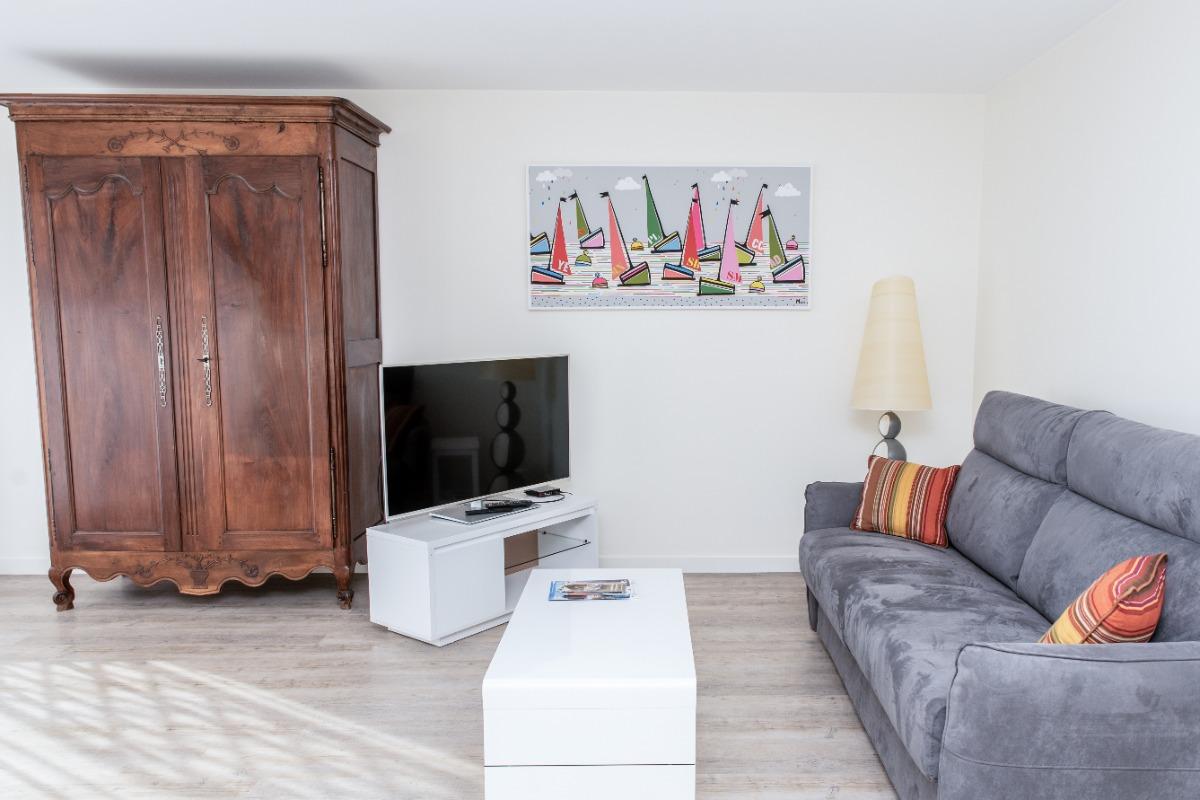 Salon avec canapé convertible  - Location de vacances - Concarneau