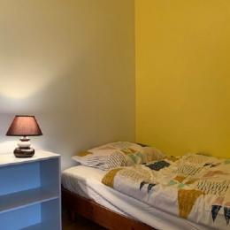 Chambre avec 2 lits 90cm - Location de vacances - Peumérit