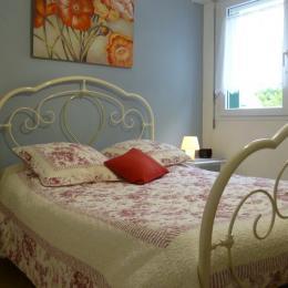 Chambre avec lit 140 - Location de vacances - La Forêt-Fouesnant