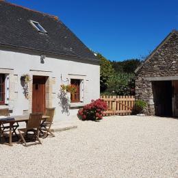 Salon avec canapé convertible  - Location de vacances - Saint-Méen