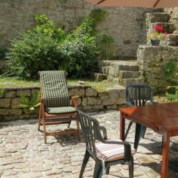 Grand espace extérieur clos avec accès par le séjour - Location de vacances - Audierne