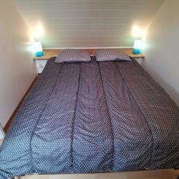 Etage: Chambre 1 avec lit 140 - Location de vacances - Camaret-sur-Mer