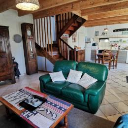 Salon avec poêle à bois - Location de vacances - Treffiagat