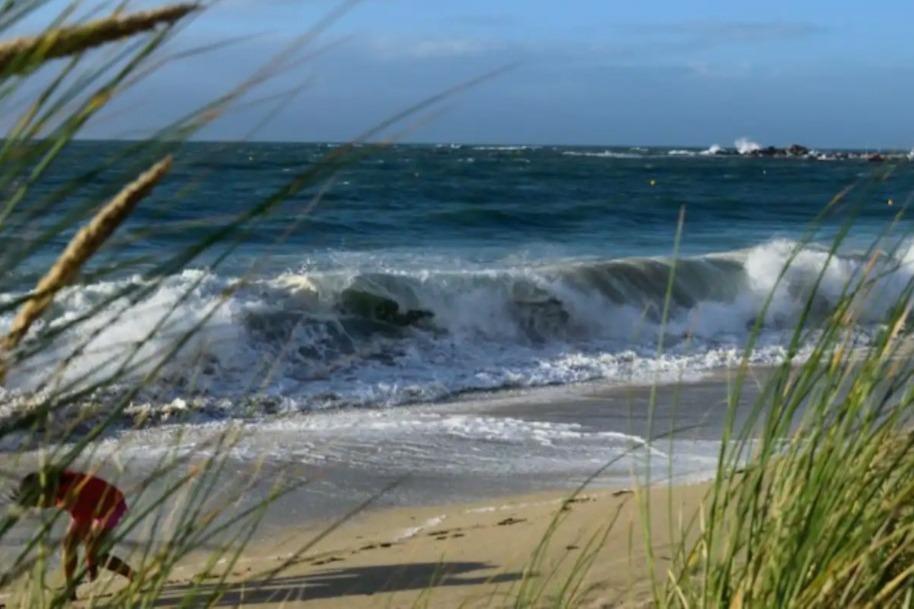 Vue sur le coucher de soleil depuis le séjour - Location de vacances - Plouescat