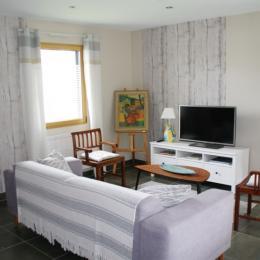 Salon avec poêle à bois - Location de vacances - Pont-Aven