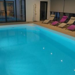 Patio avec accès à la piscine - Location de vacances - Saint-Pol-de-Léon
